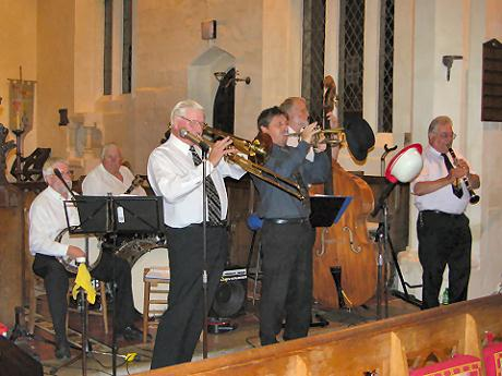 The Vine Street Six playing in St Mary's Church, Eaton Bray. Picture © Eileen Bennett