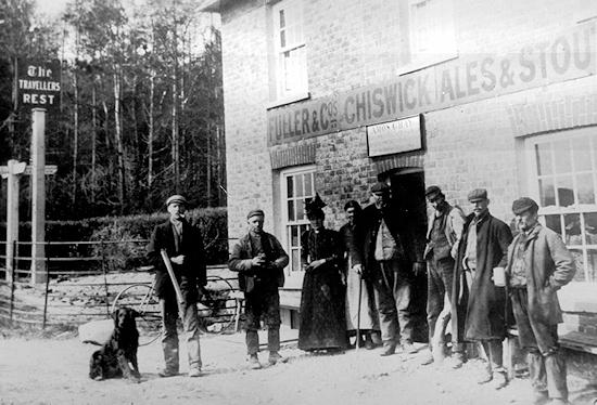 The Travellers Rest 1890/1900 showing Derek Gray's ancestral relative Amos Gray and his wife Mary Honour (click to view full photo)